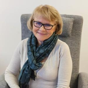Leena Tågilla on kokemusta siitä, miten ohjata ryhmää jotta se toimii hyvin